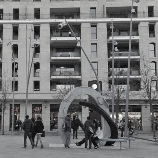 Statues & art